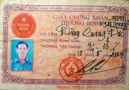Chứng nhận Thương binh hạng A 4/4 cấp của ông Đặng Quang Đức. Ảnh: PHÁP CHÍNH