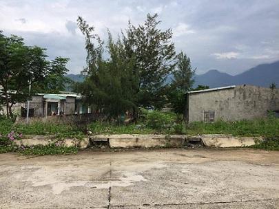 Khu vực các hộ dân thuê đất của UBND phường Hòa Hiệp (cũ). Ảnh: TRÚC PHƯƠNG