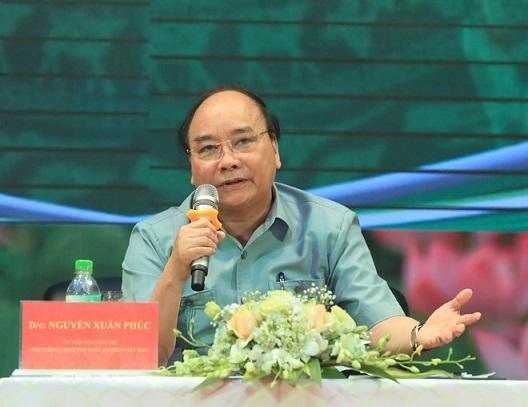 Thủ tướng Nguyễn Xuân Phúc đối thoại với nông dân ngày 09/4/2018 tại tỉnh Hải Dương. Ảnh: THỐNG NHẤT (TTXVN)